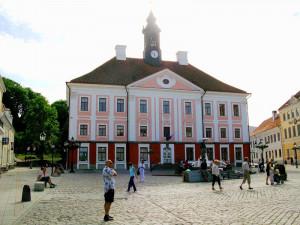 Тарту # Визитная карточка Тарту – ратушная площадь с ратушей-pic04