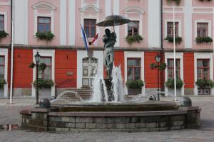 Тарту # Визитная карточка Тарту – ратушная площадь с ратушей-pic06