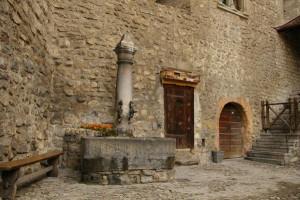 Швейцария # Шильонский замок – место действия легендарной поэмы Байрона!-pic11